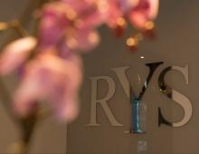 RYS  th